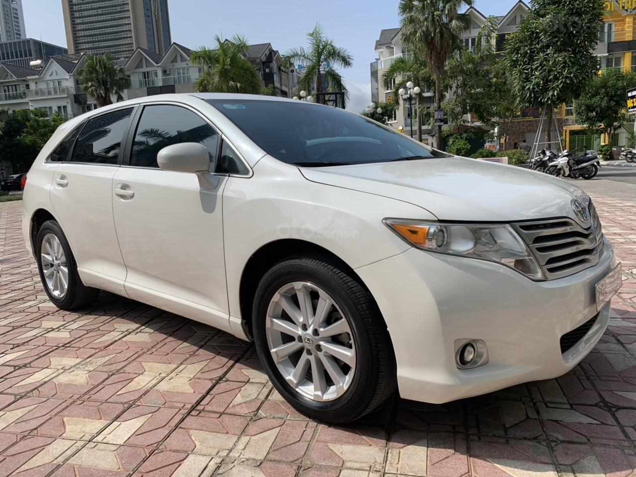 Cần bán Toyota Venza đời 2009, màu trắng, giá tốt (1)