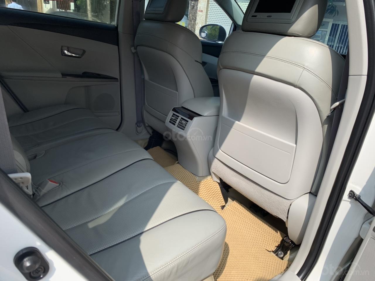 Cần bán Toyota Venza đời 2009, màu trắng, giá tốt (10)
