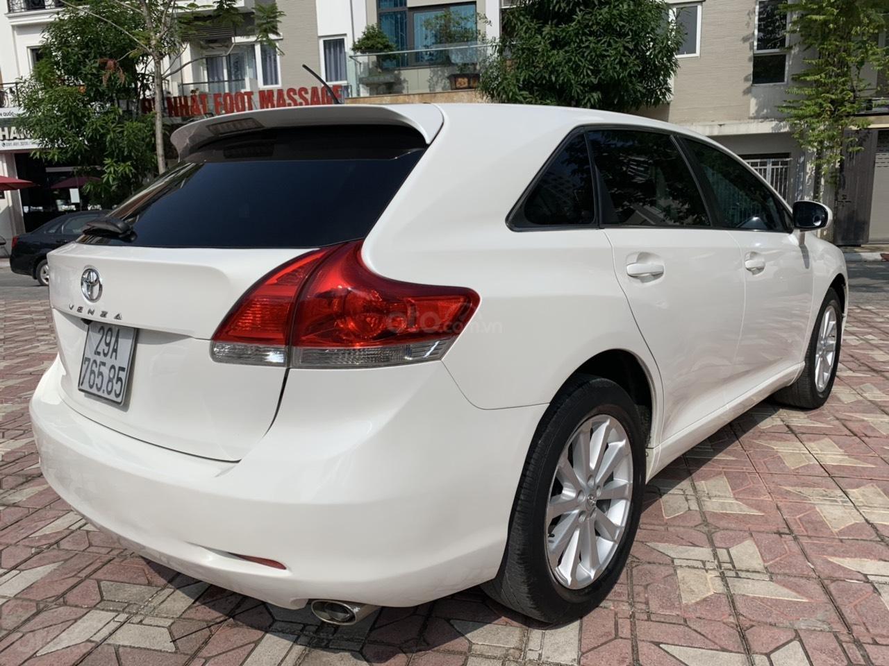 Cần bán Toyota Venza đời 2009, màu trắng, giá tốt (4)