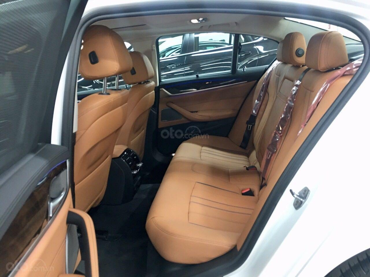 BMW 520i all new, giá tốt nhất miền nam (9)