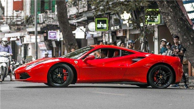 """Chiếc xe """"ngựa hoang"""" Ferrari 488 GTB của Tuấn Hưng """"tái sinh"""" sau 1 năm gặp tai nạn."""