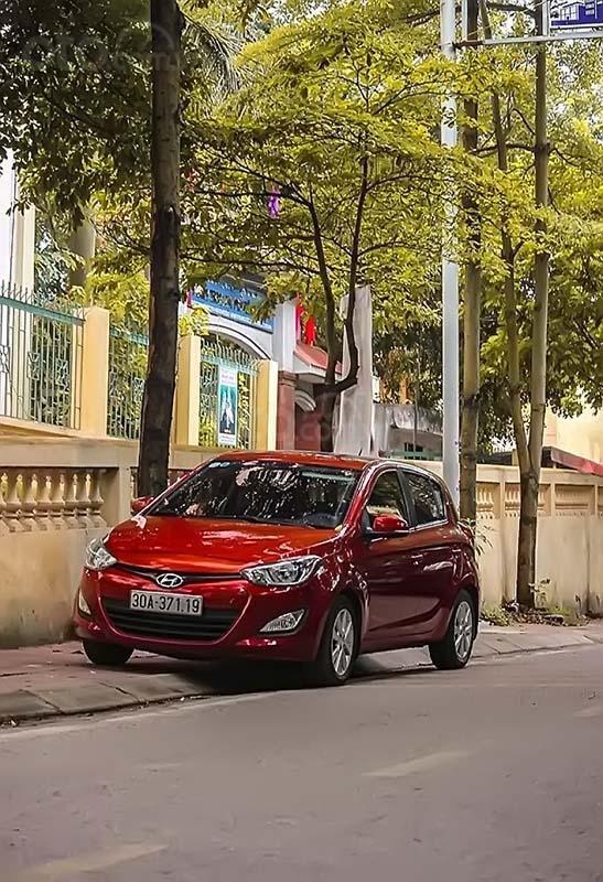 Cần bán Hyundai i20 sản xuất năm 2014, màu đỏ, nhập khẩu nguyên chiếc, chính chủ (1)