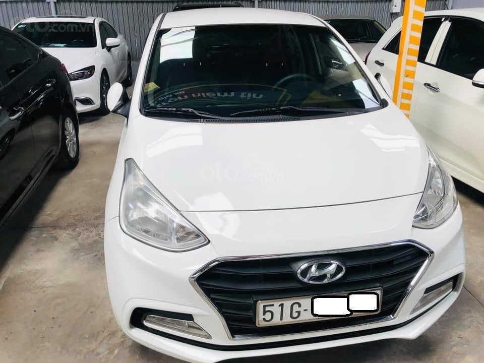 Bán Hyundai Grand i10 gia đình sản xuất 2017, biển số SG, số sàn 1.2, bản đủ, màu trắng, 376tr (1)