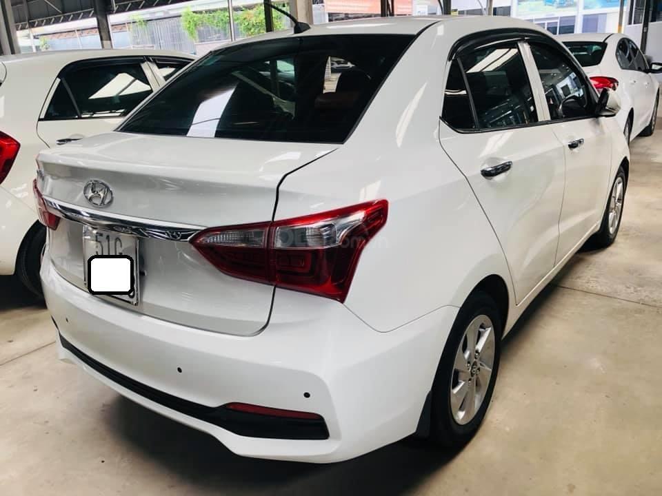 Bán Hyundai Grand i10 gia đình sản xuất 2017, biển số SG, số sàn 1.2, bản đủ, màu trắng, 376tr (2)