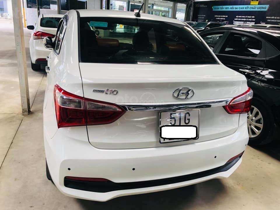 Bán Hyundai Grand i10 gia đình sản xuất 2017, biển số SG, số sàn 1.2, bản đủ, màu trắng, 376tr (3)