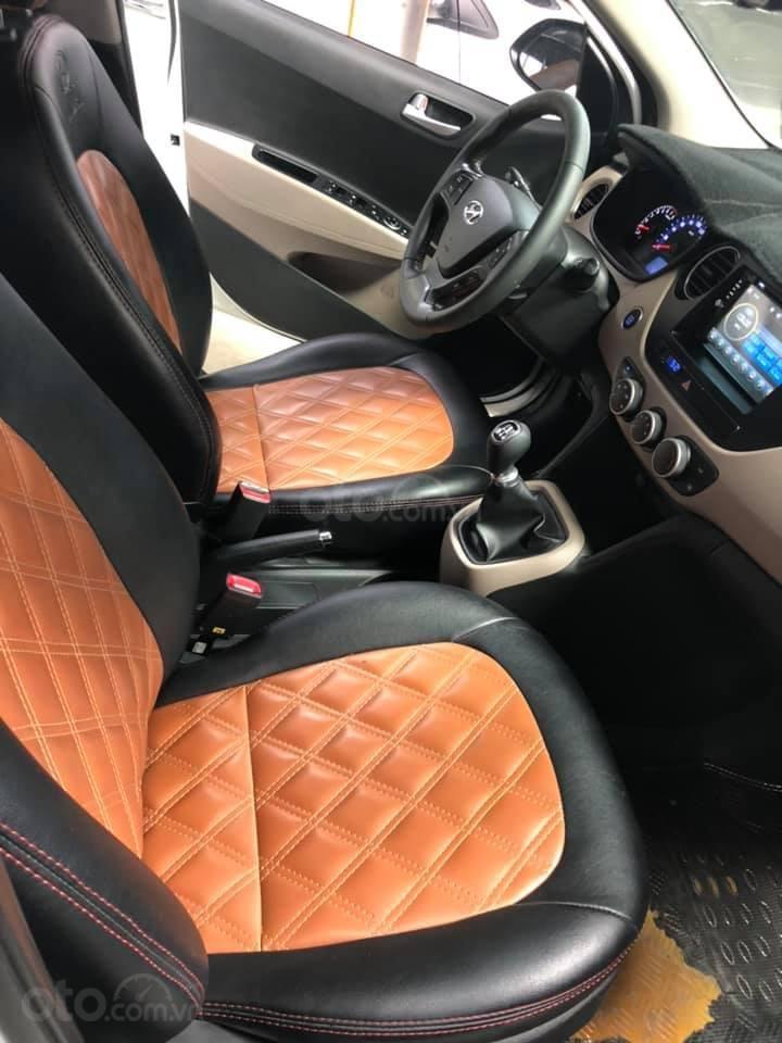 Bán Hyundai Grand i10 gia đình sản xuất 2017, biển số SG, số sàn 1.2, bản đủ, màu trắng, 376tr (8)