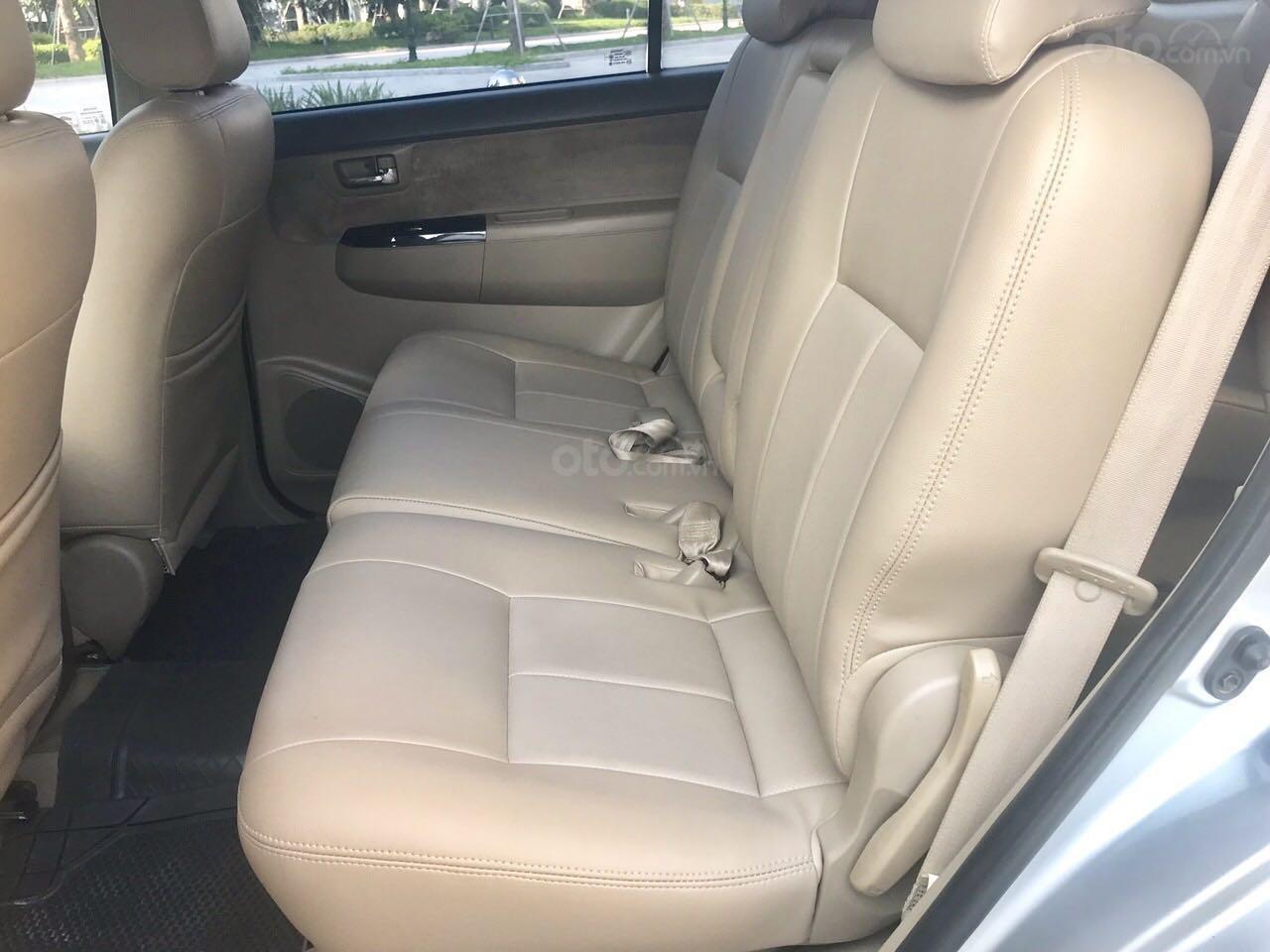 Cần bán xe Toyota Fortuner đăng ký lần đầu 2012, màu bạc, nhập khẩu nguyên chiếc, giá chỉ 670 triệu đồng (6)