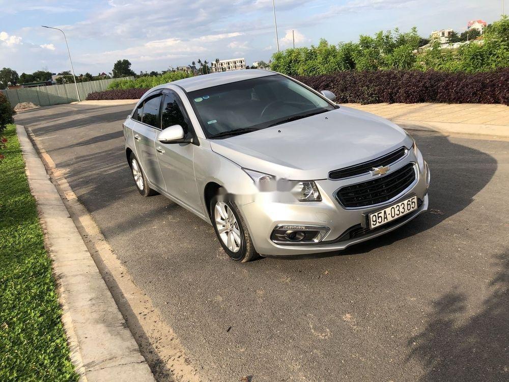 Cần bán Chevrolet Cruze 2017, giá tốt (1)