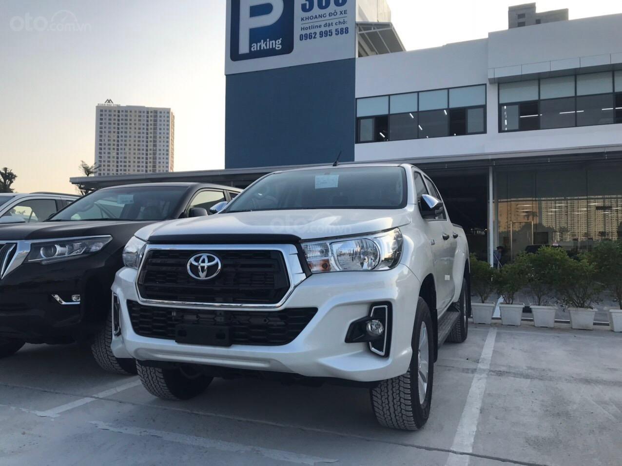 Toyota Hilux 2.4G AT (số tự động) đời 2019, màu trắng, nhập khẩu nguyên chiếc (2)