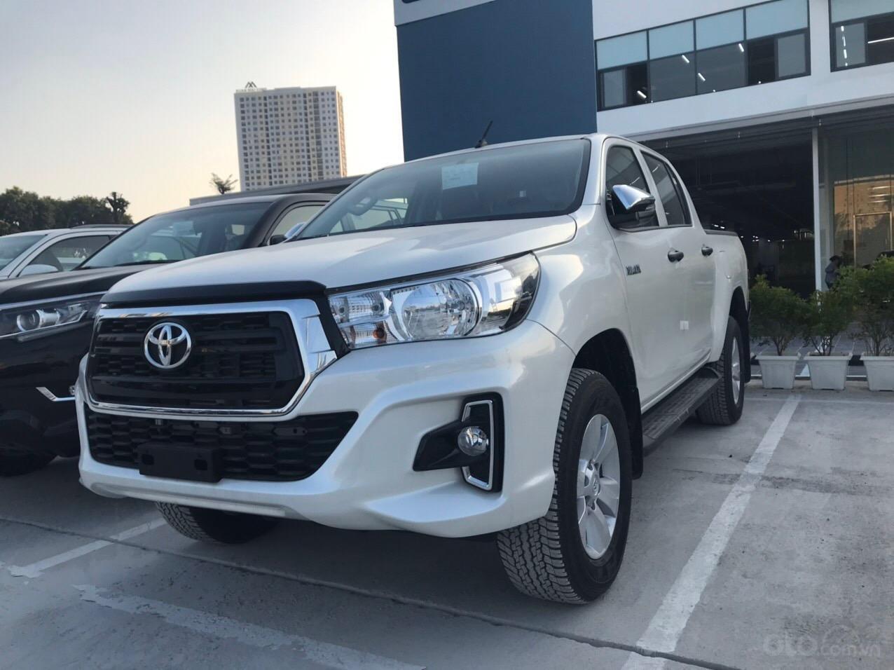 Toyota Hilux 2.4G AT (số tự động) đời 2019, màu trắng, nhập khẩu nguyên chiếc (3)