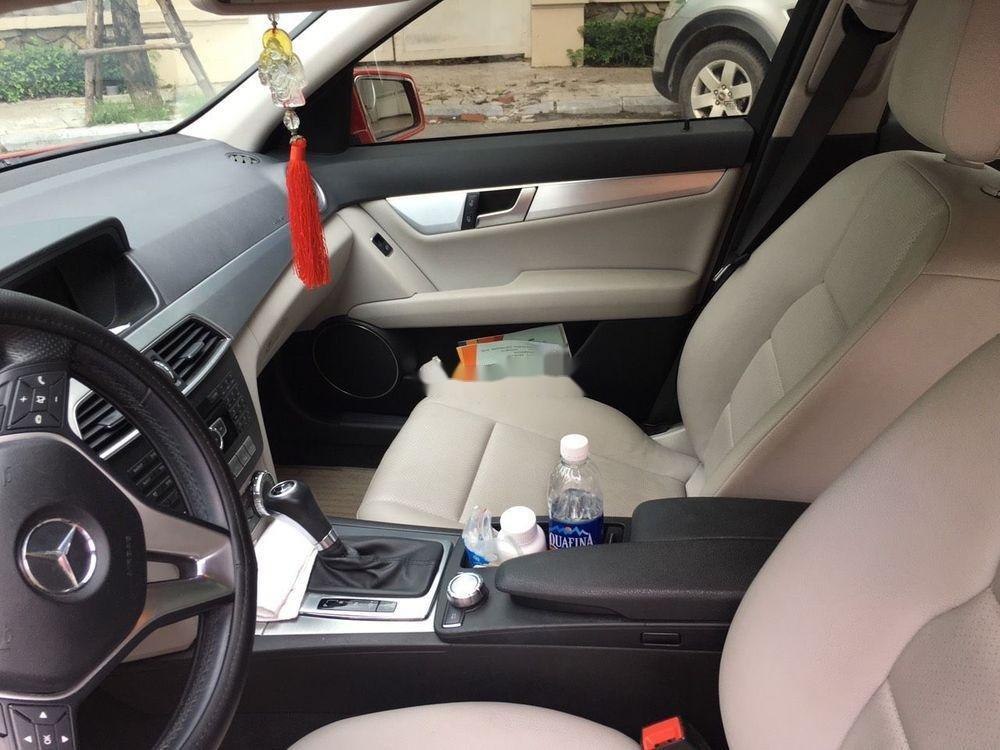 Cần bán xe Mercedes C200 sản xuất 2012, màu đỏ chính chủ, giá tốt (3)