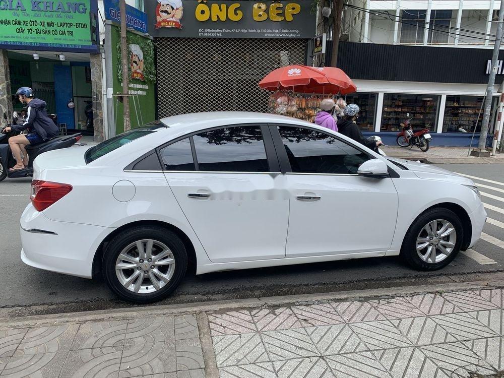 Bán Chevrolet Cruze 2017 đời 2017, màu trắng (4)