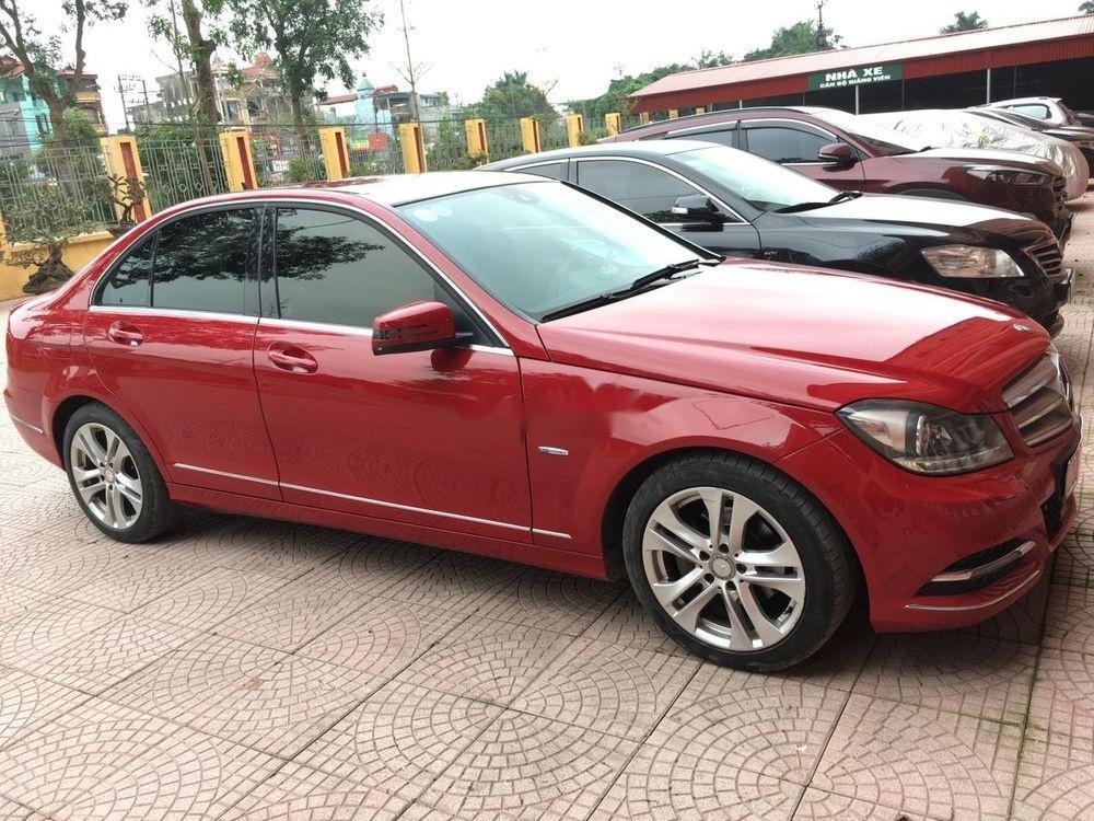 Cần bán xe Mercedes C200 sản xuất 2012, màu đỏ chính chủ, giá tốt (6)