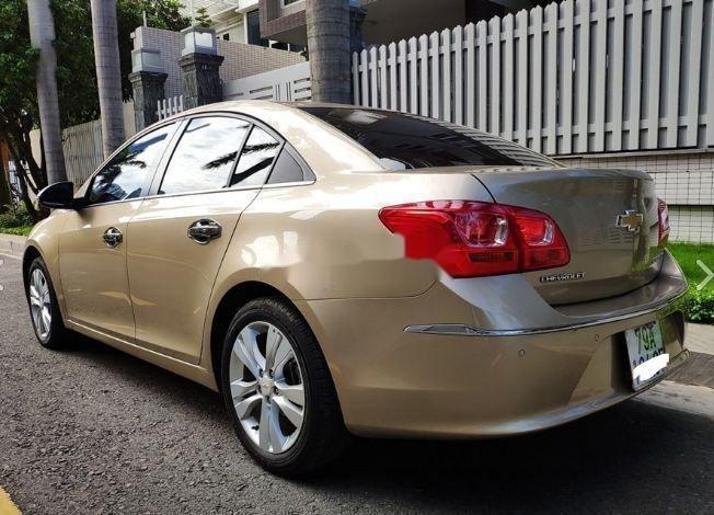 Bán ô tô Chevrolet Cruze  1.8 LTZ  2016, màu vàng (1)