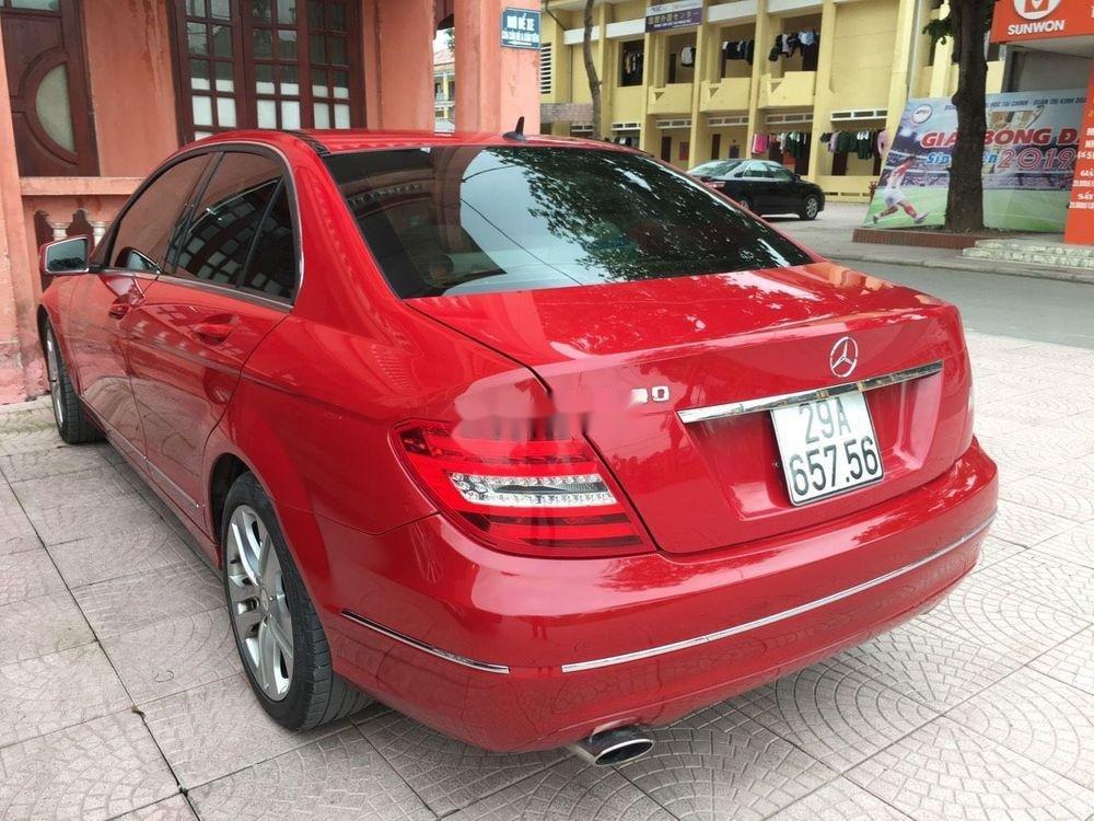 Cần bán xe Mercedes C200 sản xuất 2012, màu đỏ chính chủ, giá tốt (4)