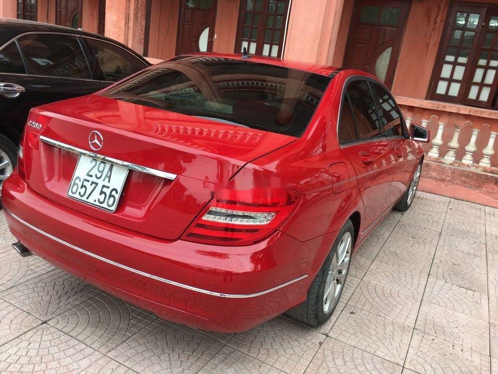 Cần bán xe Mercedes C200 sản xuất 2012, màu đỏ chính chủ, giá tốt (5)
