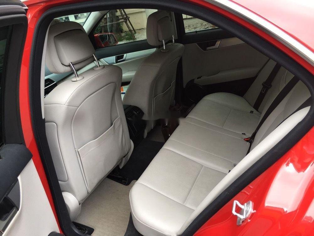 Cần bán xe Mercedes C200 sản xuất 2012, màu đỏ chính chủ, giá tốt (2)