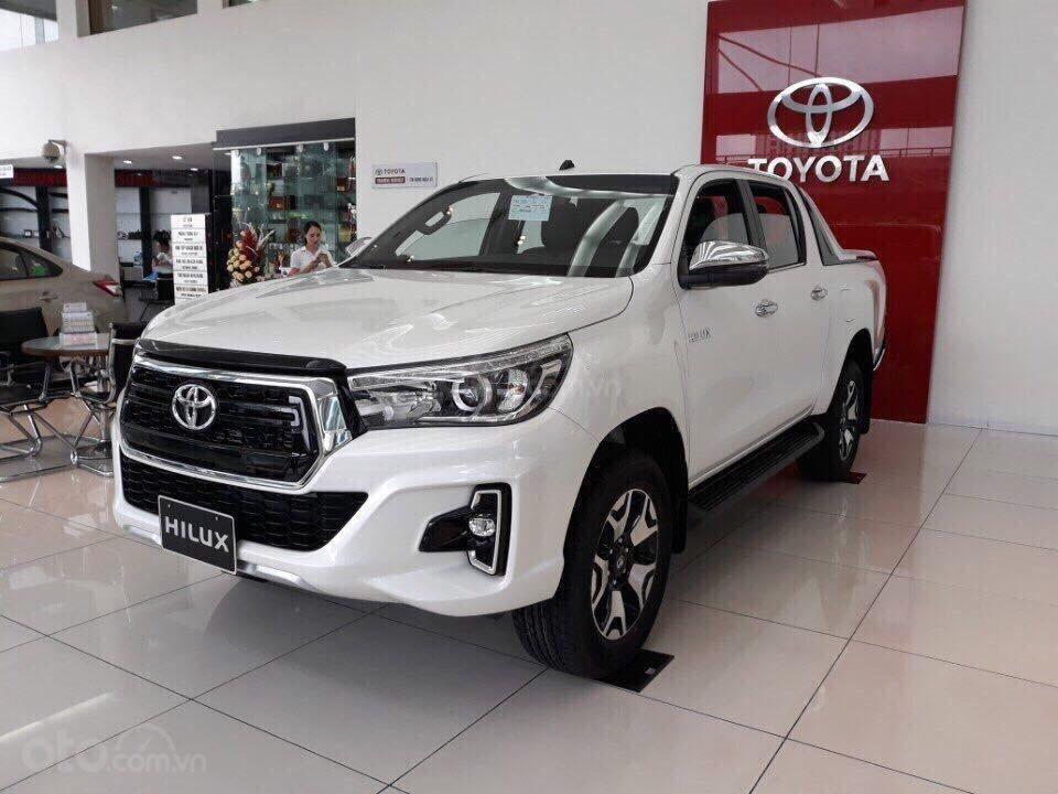 Giá xe Toyota Hilux giá rẻ tại Hà Nội, hỗ trợ trả góp 85% giá trị xe, LH: 09.6322.6323 (1)