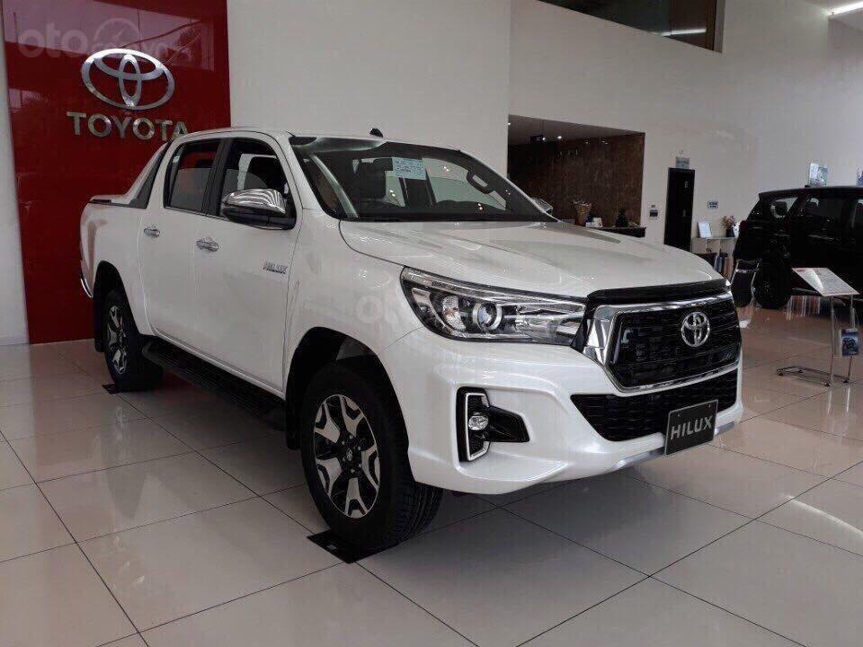 Giá xe Toyota Hilux giá rẻ tại Hà Nội, hỗ trợ trả góp 85% giá trị xe, LH: 09.6322.6323 (2)