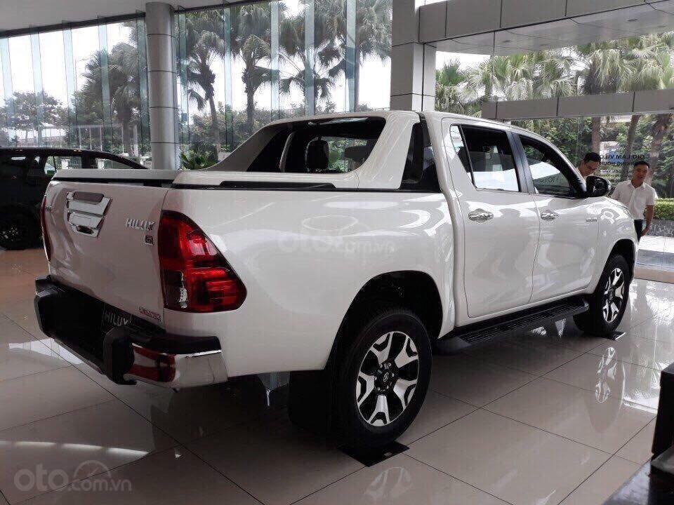 Giá xe Toyota Hilux giá rẻ tại Hà Nội, hỗ trợ trả góp 85% giá trị xe, LH: 09.6322.6323 (3)