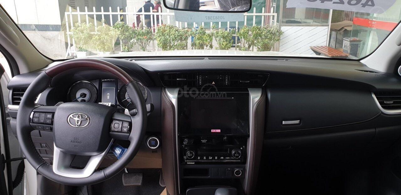 Bán Toyota Fortuner 2.7V máy xăng, 1 cầu đời 2019, nhập khẩu nguyên chiếc Thái Lan (10)