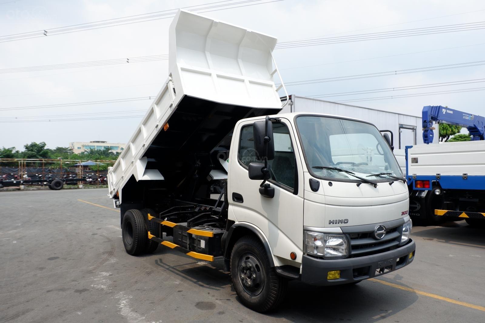 Xe Ben Hino 3 tấn 5, vay 80% LS thấp, thùng 2 khối 8, ben nâng Shinmaywa, tải hàng 3.490Kg kèm nhiều ưu đãi (1)