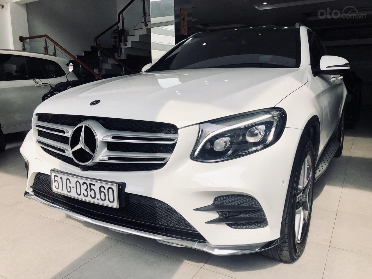 Bán GLC300 SX 2018 model 2019, xe đẹp màu trắng nội thất nâu, cam kết bao kiểm tra tại hãng (1)