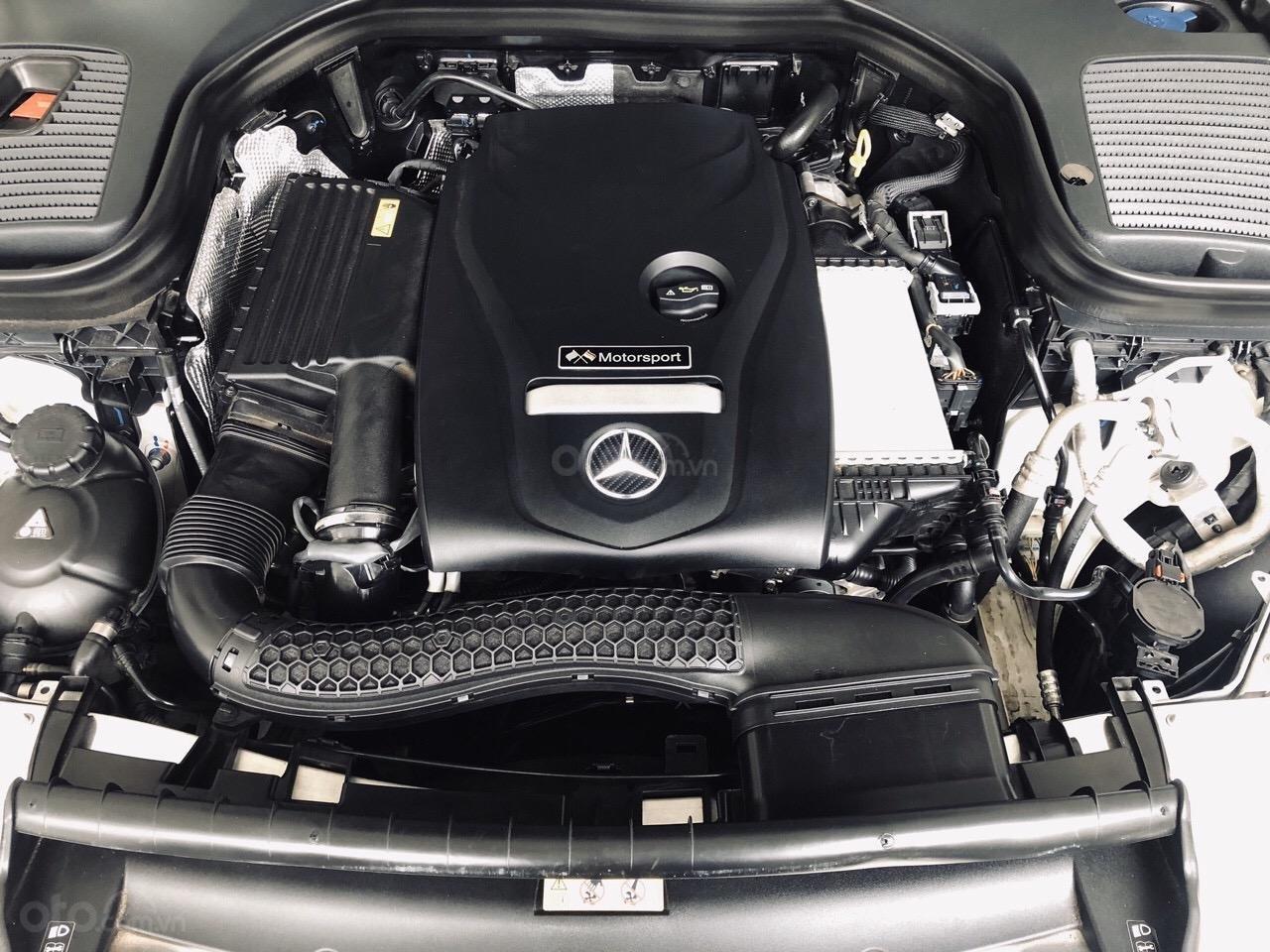 Bán GLC300 SX 2018 model 2019, xe đẹp màu trắng nội thất nâu, cam kết bao kiểm tra tại hãng (8)