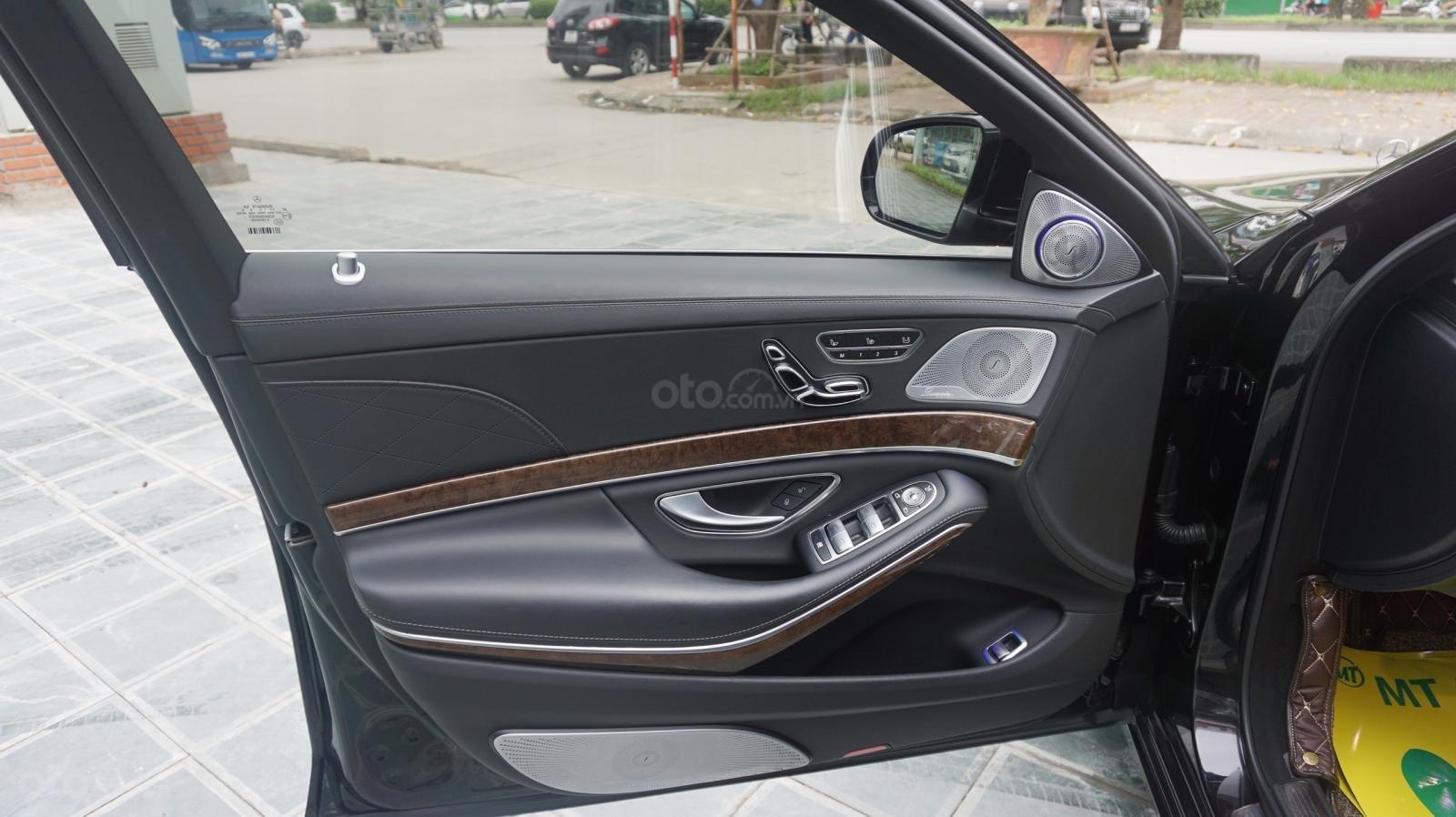 Bán xe Mercedes S500L đời 2017, màu đen, xe siêu siêu lướt cực đẹp. LH: 0982.84.2838 (9)
