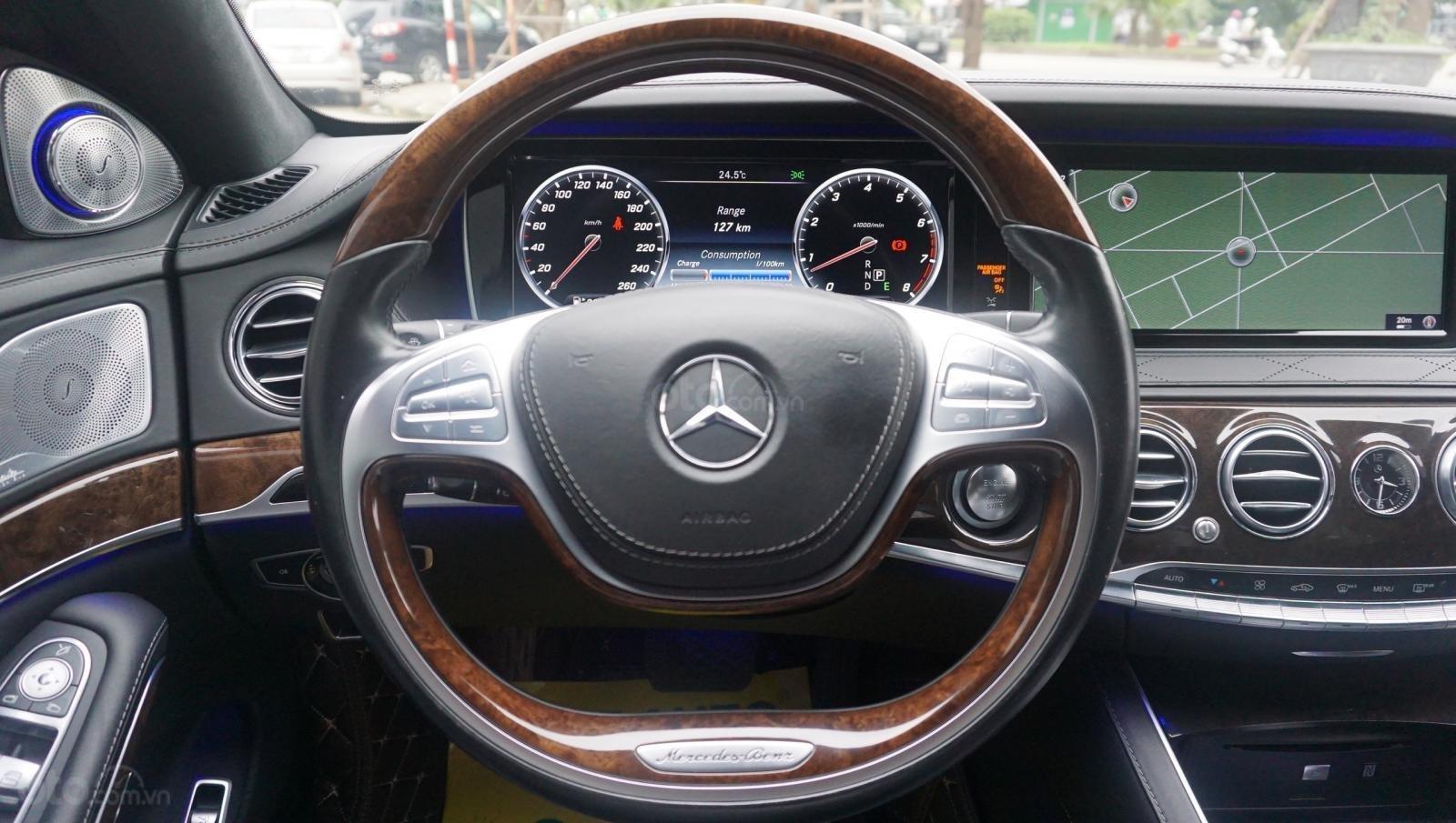 Bán xe Mercedes S500L đời 2017, màu đen, xe siêu siêu lướt cực đẹp. LH: 0982.84.2838 (8)