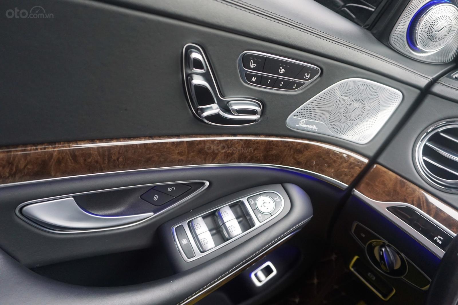 Bán xe Mercedes S500 L đời 2017, màu đen, xe siêu siêu lướt cực đẹp. LH: 0982.84.2838 (4)