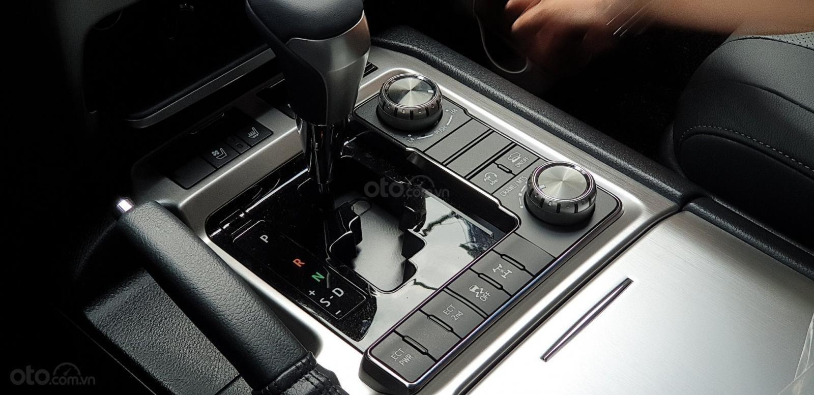 Bán xe Toyota Land Cruiser V8 nhập Nhật chính hãng, LH: 0945.446.186 (9)