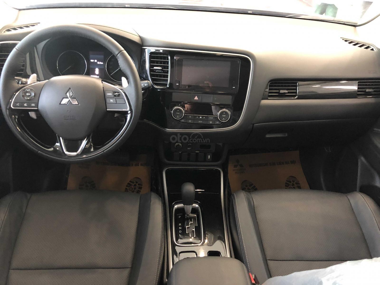 Bán xe Mitsubishi Outlander 2.4 CVT xe mới, giá siêu sốc (6)