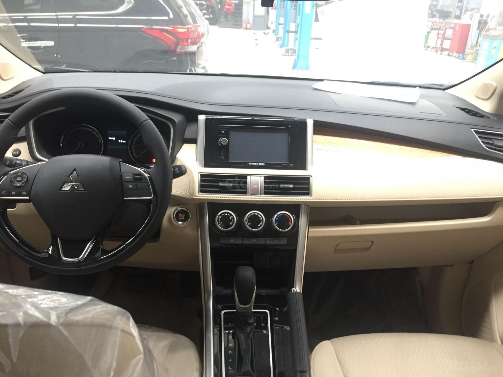 Cần bán Mitsubishi Xpander năm 2019, màu trắng nhập khẩu giá tốt (4)