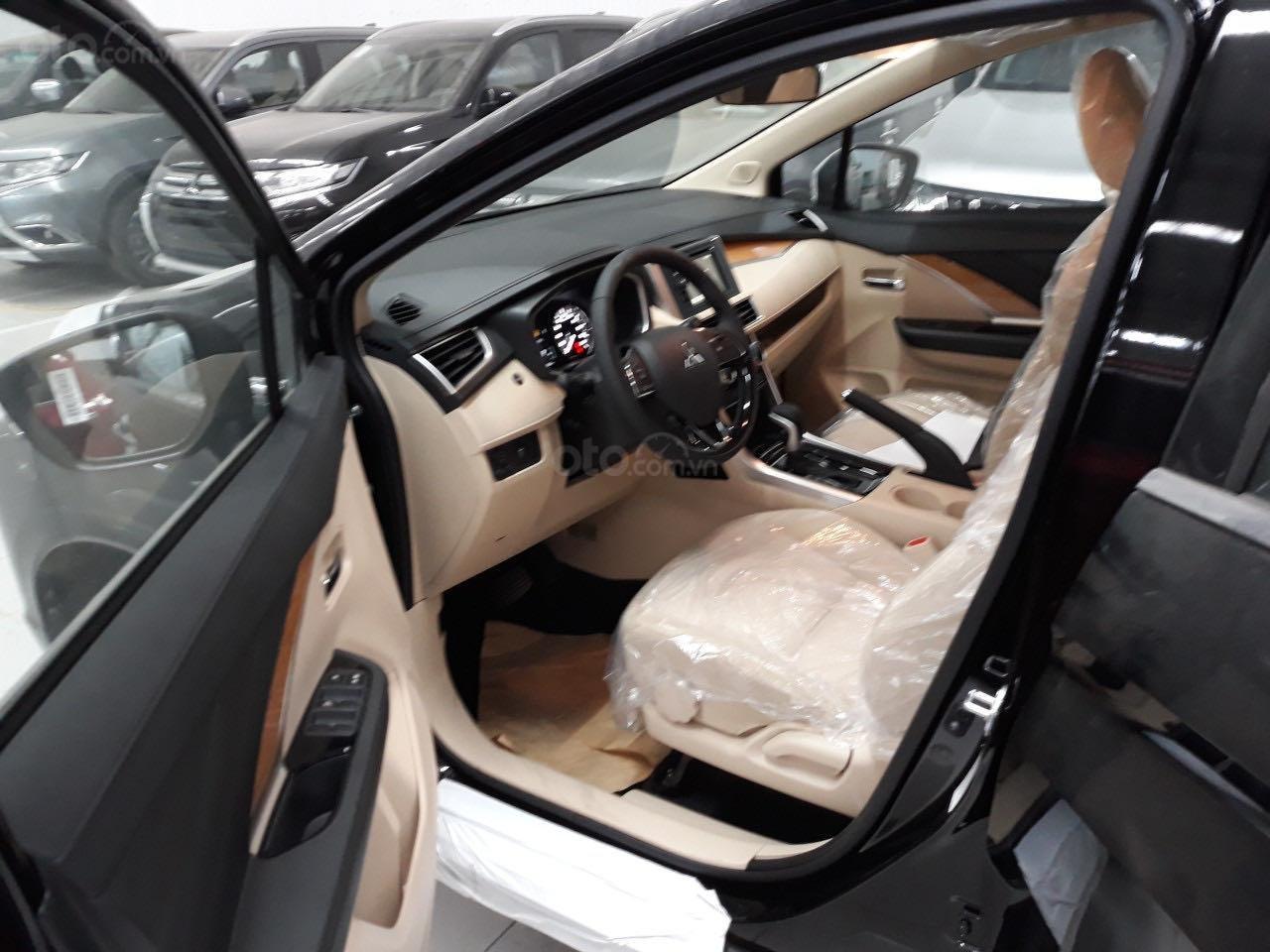 Cần bán Mitsubishi Xpander năm 2019, màu trắng nhập khẩu giá tốt (8)