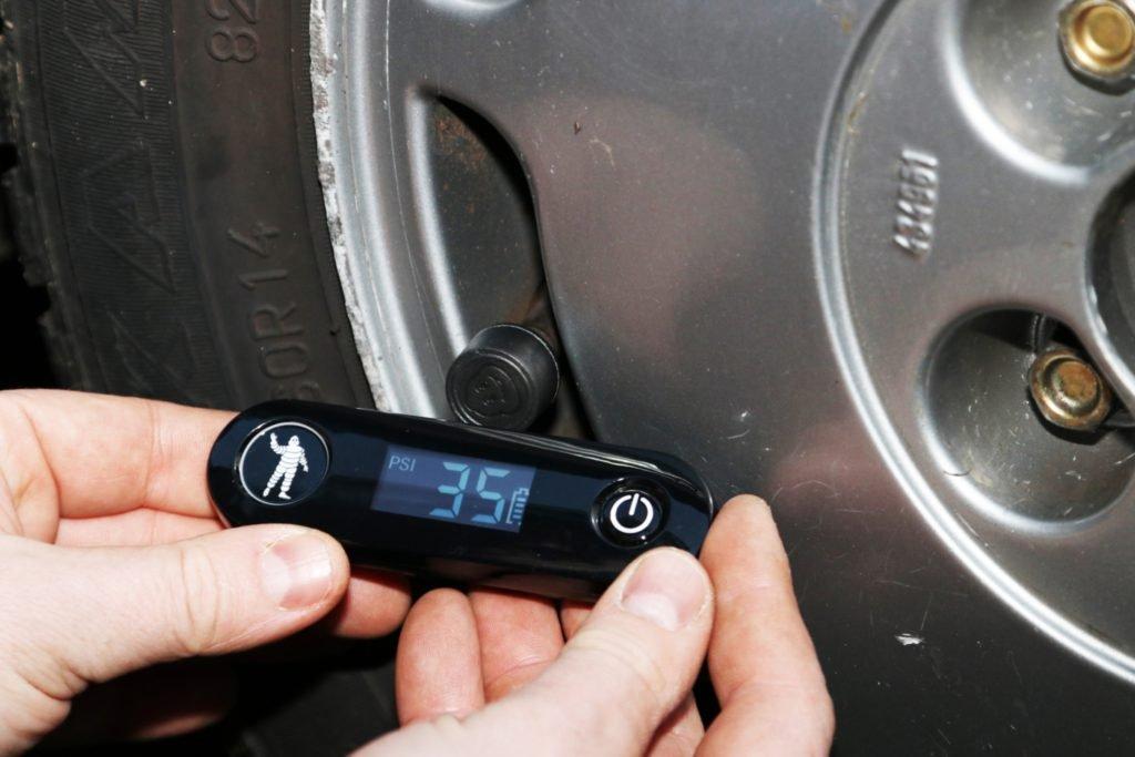 Mất bao lâu để thay lốp xe ô tô?