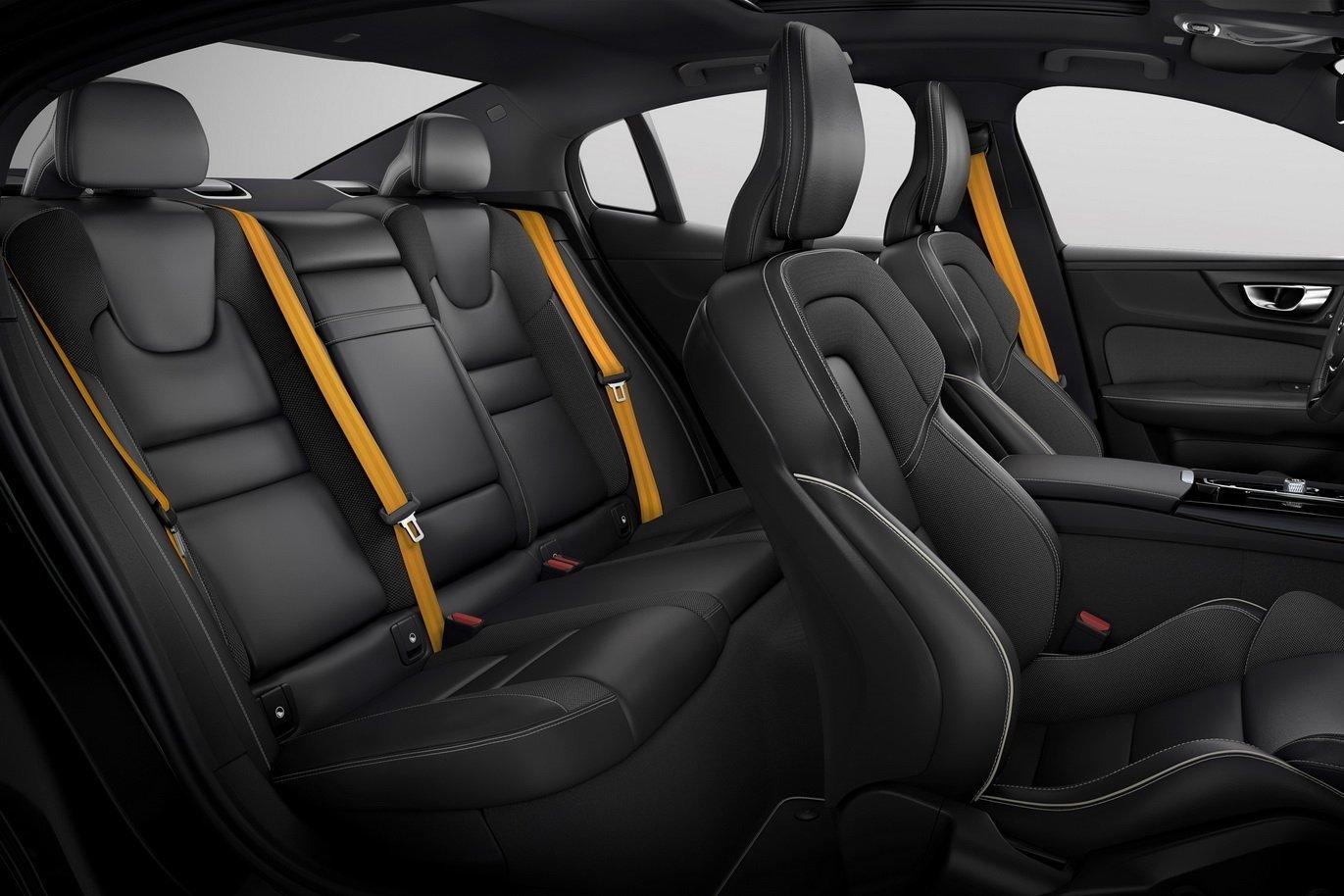Không gian nội thất của Volvo S60 Polestar Engineered.