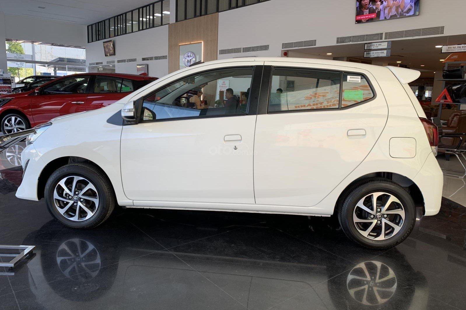 Thân xe Toyota Wigo 2019 thiết kế đơn giản, không có điểm nhấn đặc sắc a1