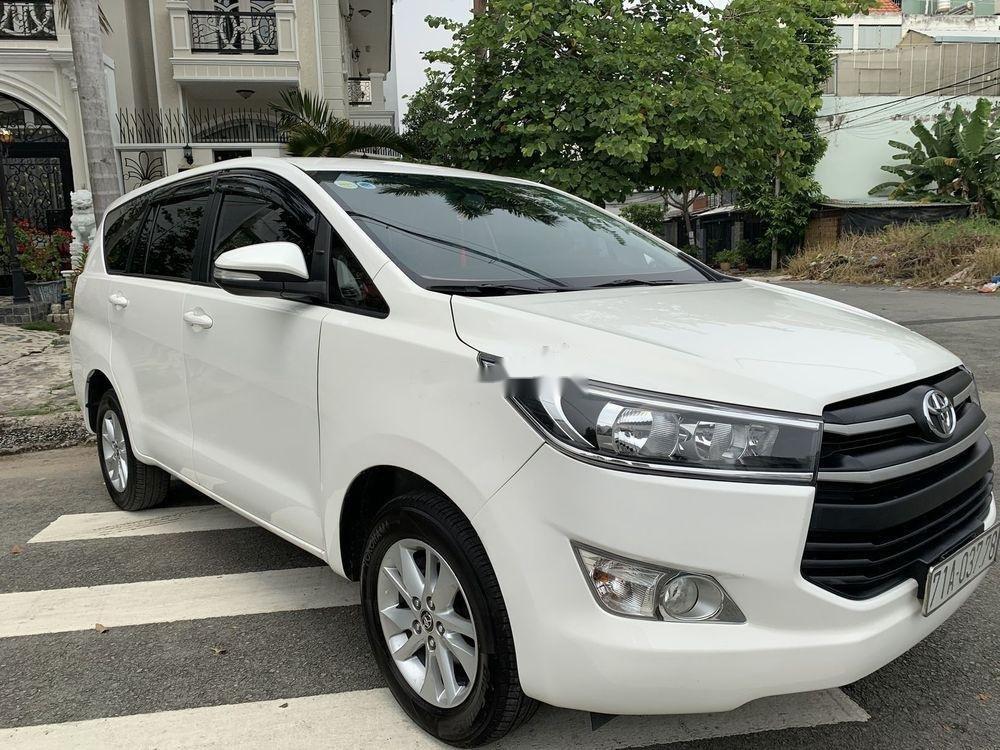 Bán ô tô Toyota Innova 2.0E 2017, màu trắng (9)
