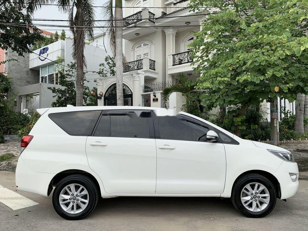 Bán ô tô Toyota Innova 2.0E 2017, màu trắng (3)