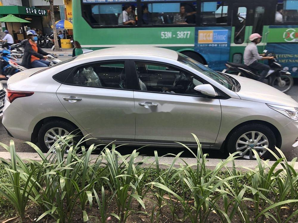 Cần bán Hyundai Accent đời 2019 (3)