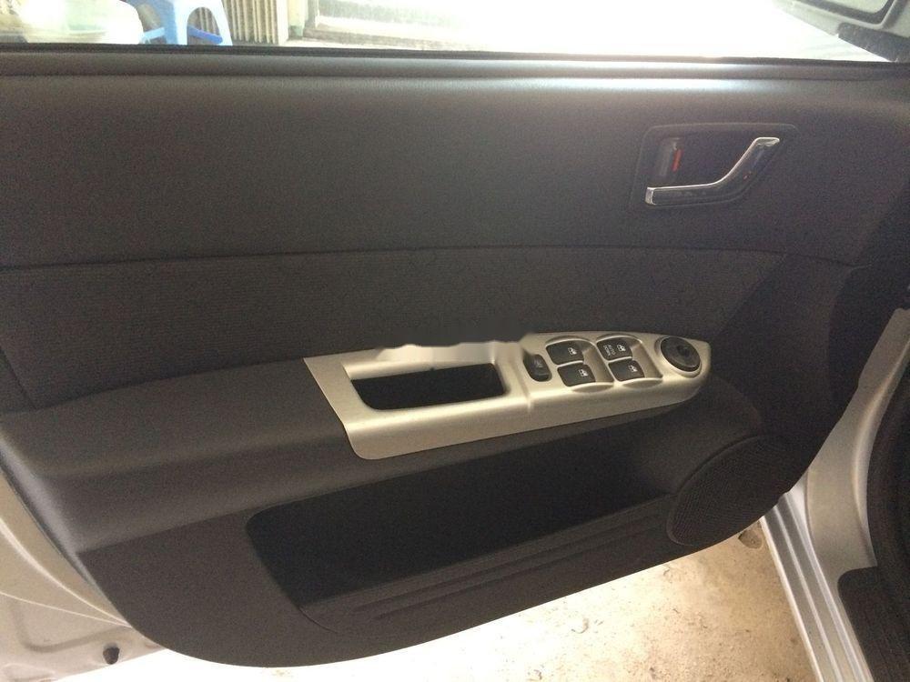 Cần bán Hyundai Getz đời 2010, màu bạc, xe nhập số tự động, giá tốt (6)