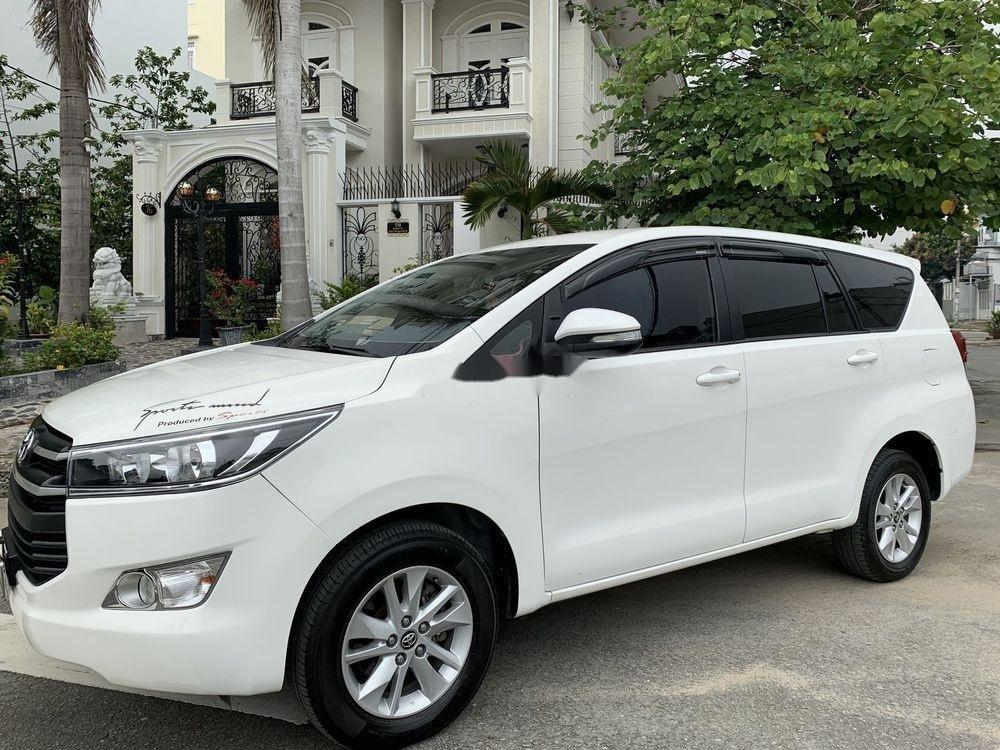 Bán ô tô Toyota Innova 2.0E 2017, màu trắng (12)