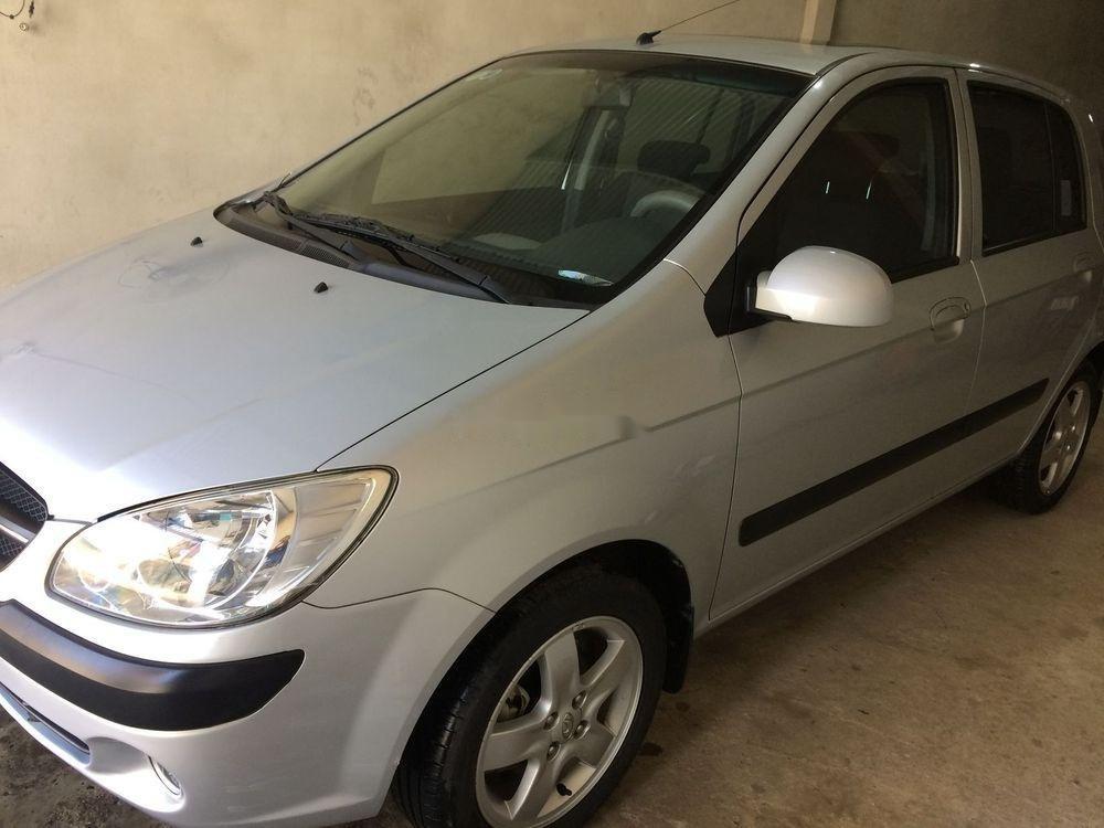 Cần bán Hyundai Getz đời 2010, màu bạc, xe nhập số tự động, giá tốt (2)