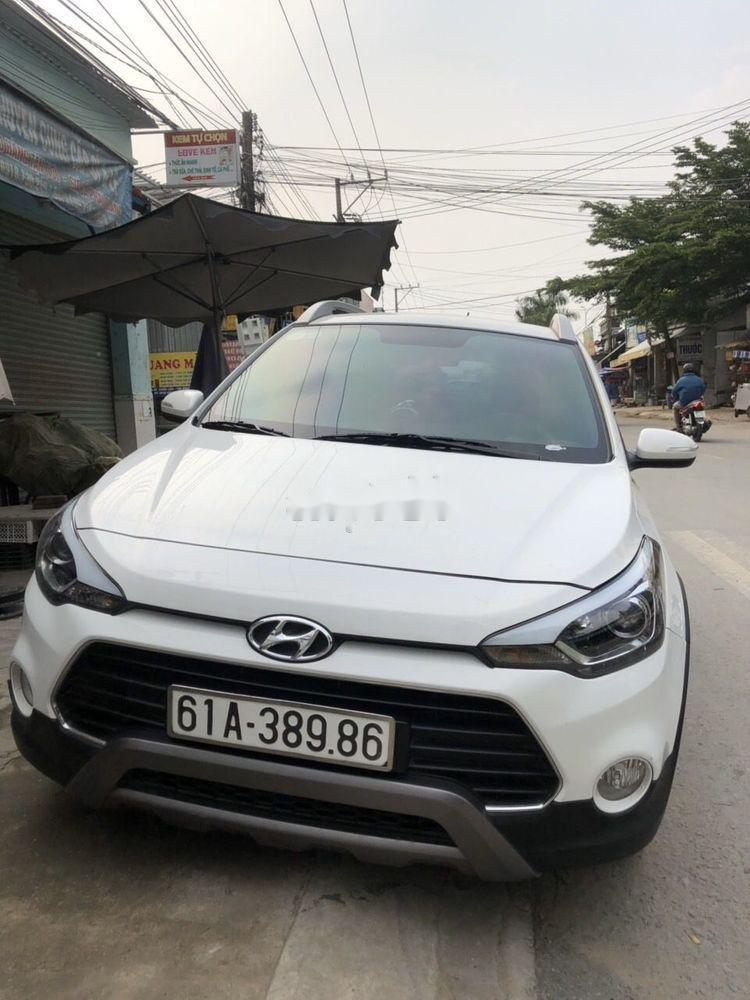 Cần bán Hyundai i20 Active đời 2017, màu trắng (1)