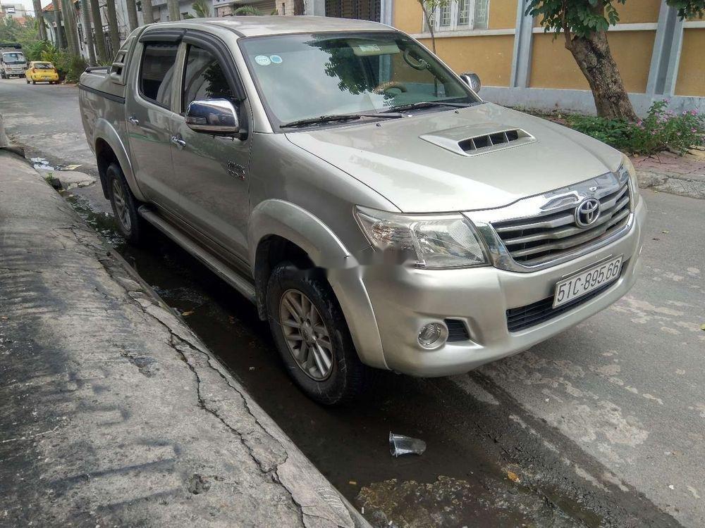 Cần bán lại xe Toyota Hilux 3.0 (4x4) đời 2013, màu bạc, nhập khẩu Thái, chính chủ (4)