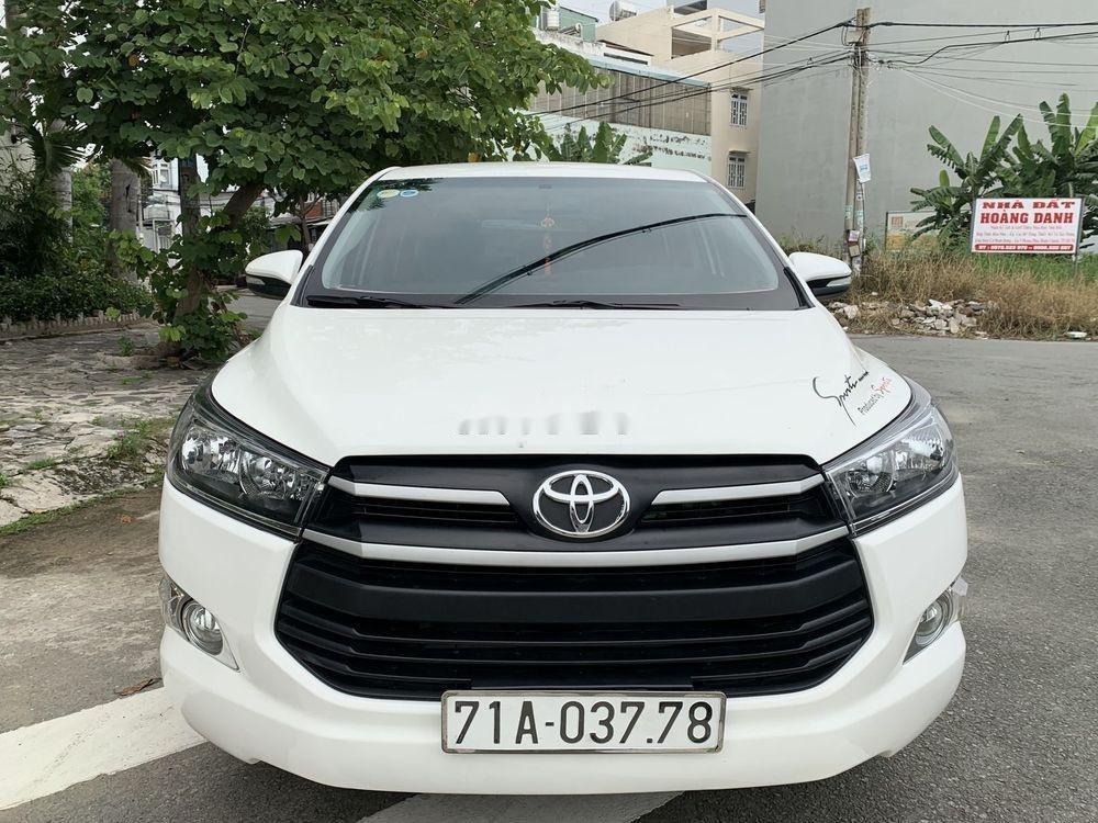 Bán ô tô Toyota Innova 2.0E 2017, màu trắng (1)