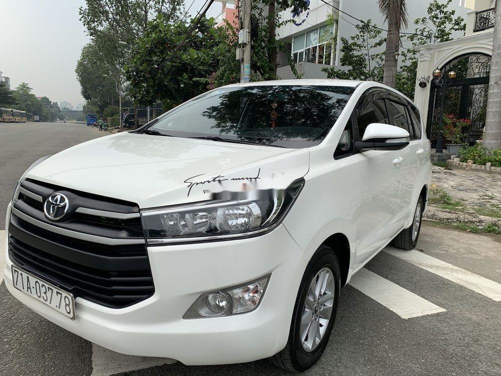 Bán ô tô Toyota Innova 2.0E 2017, màu trắng (8)