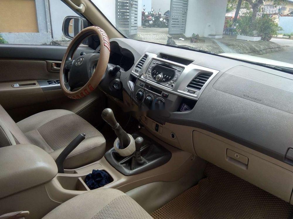 Cần bán lại xe Toyota Hilux 3.0 (4x4) đời 2013, màu bạc, nhập khẩu Thái, chính chủ (5)