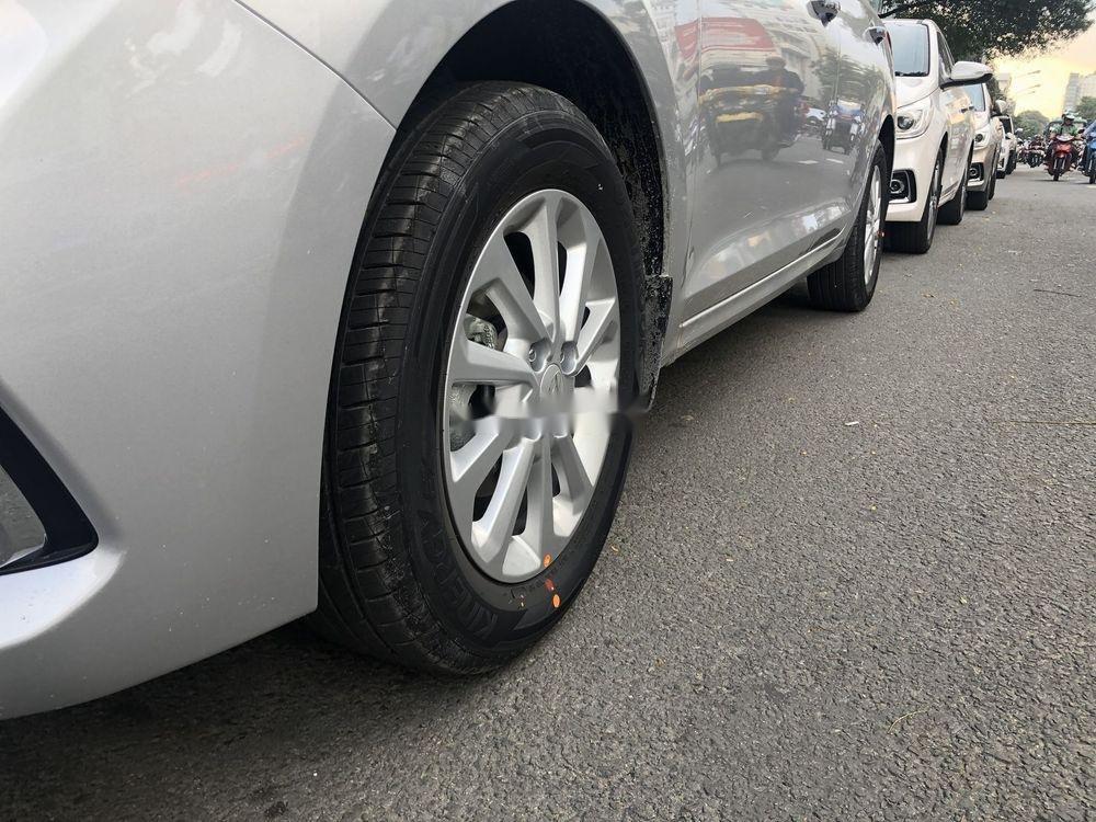 Cần bán Hyundai Accent đời 2019 (2)